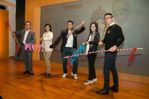圖四為東華三院董事局成員亦到場打氣,預祝演出成功。