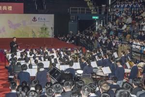 圖二至四為學生於東華三院中學聯校畢業典禮上的精彩表演。