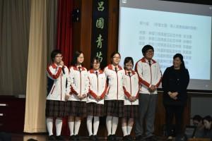 學生大使與各位來賓分享參訪團的體驗和點滴。