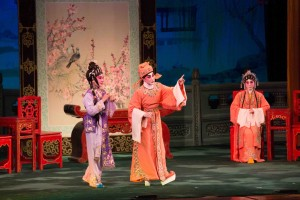 圖六為「鳴芝聲劇團」演出非常精彩,為觀眾帶來無限歡笑。