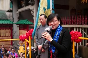 署理民政事务局局长许晓晖女士SBS太平绅士登上赞星台致辞