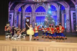 東華三院香港華都獅子會幼稚園的同學們,落力演出,以《胡桃夾子與老鼠王》的舞蹈表演為午宴揭開序幕。