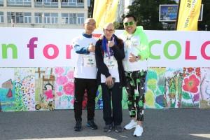 東華三院主席李鋈麟博士太平紳士(右)與「愛不同藝術i-dArt」眾籌大使梁日洪(中)及王建衡(王Sir)(左)合照