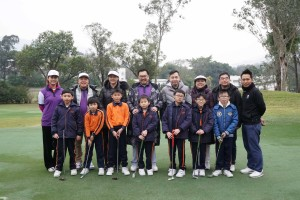 圖五為東華三院邀請基層學生參與是次活動,讓他們一同享受高爾夫球的樂趣。