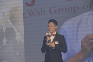 東華三院戊戌年主席王賢誌先生透過精彩的簡報暢談未來一年的願景。