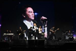 圖六為東華三院顧問及歷屆主席組成慈善Band,為現場觀眾傾力表演,搏得現場不少掌聲。