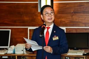 圖三:東華三院主席兼名譽校監蔡榮星博士於晚宴上,勉勵學生大使要把握學習機會,擴闊視野。