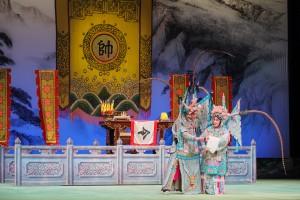 圖三及圖四為福陞粵劇團台柱汪明荃女士及羅家英先生的精湛演出,獲全場觀眾報以熱烈掌聲。