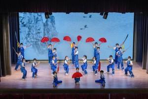 圖三及圖四為東華三院武術精英隊及東華三院黃士心小學弦樂小組於畢業典禮上獻上精彩表演。