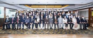 圖二為東華三院顧問局成員、董事局成員、歷屆主席、總理,以及各部門主管合照。